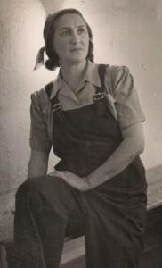 Dan Hashomer - Nadia Lubovska as Efrat (1945)