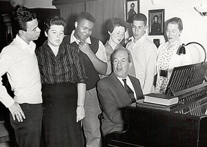 Coaching young American singers at his home